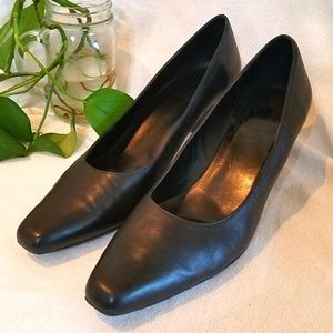 Black Leather Heels, 10M